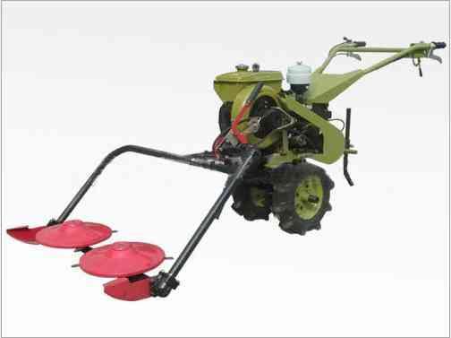 新型果园高效割草机