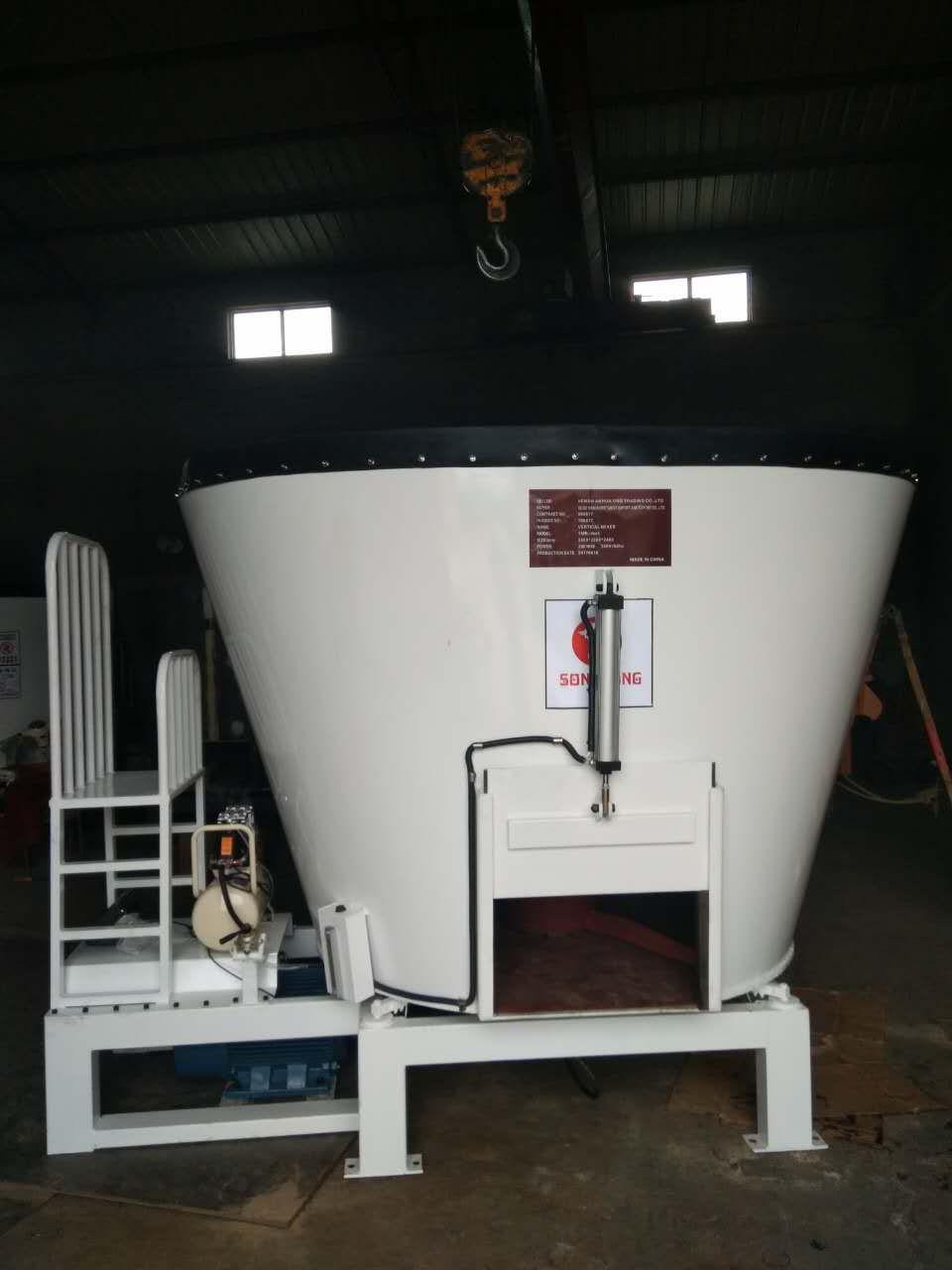 立式固定式TMR饲料搅拌机价格