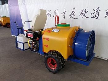 果哈哈G4可乘坐型果园喷雾机