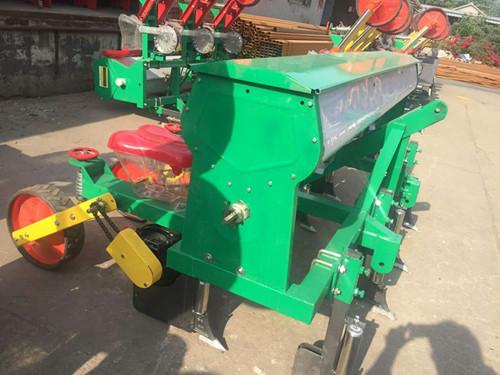 四轮专用新款玉米播种机